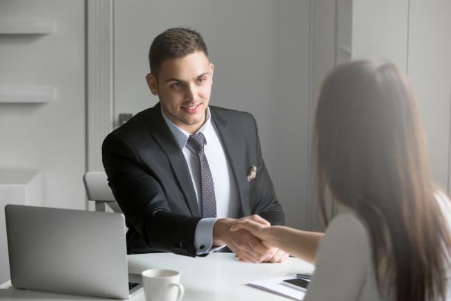 Τι ζώδιο είναι το αφεντικό σου; Μάθε πως θα κερδίσεις την εύνοιά του.