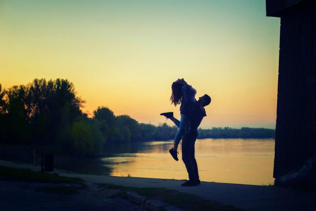 Αυτός θέλει ελεύθερη σχέση ενώ εσύ κάτι πιο μόνιμο; Μάθε τι να κάνεις!