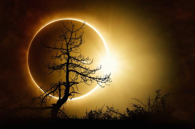 Η Ηλιακή έκλειψη στον υδροχόο στις 15 Φεβρουαρίου 2018. Προβλέψεις για τα ζώδια.