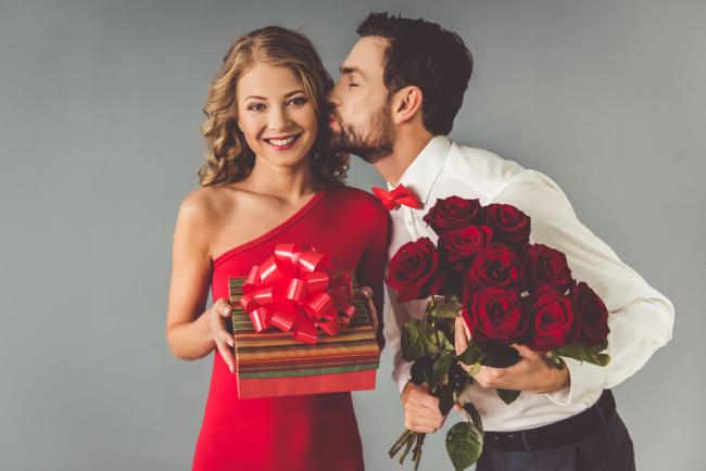 Πώς εκδηλώνουν την αγάπη τους οι άντρες του ζωδιακού;