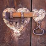 Πόσο συχνά χτυπάει την πόρτα της αγάπης για κάθε ζώδιο;