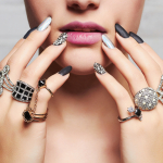 Οι γυναίκες λατρεύουν τα κοσμήματα! Πες μου μόνο το ζώδιό της.
